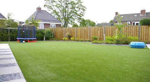Kunstgras voor een kindvriendelijke tuin