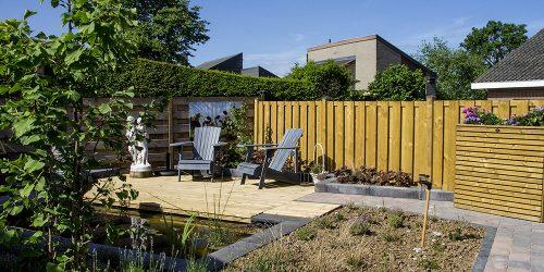 Voorbeeld tuin met vijver
